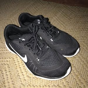 Preowned Nike training Flex size 8.5 for women
